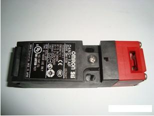 D4NS-1AF欧姆龙小型安全限位开关原装正品